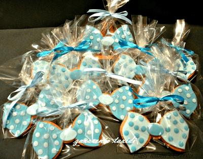 bow tie baby shower sugarpaste cookies