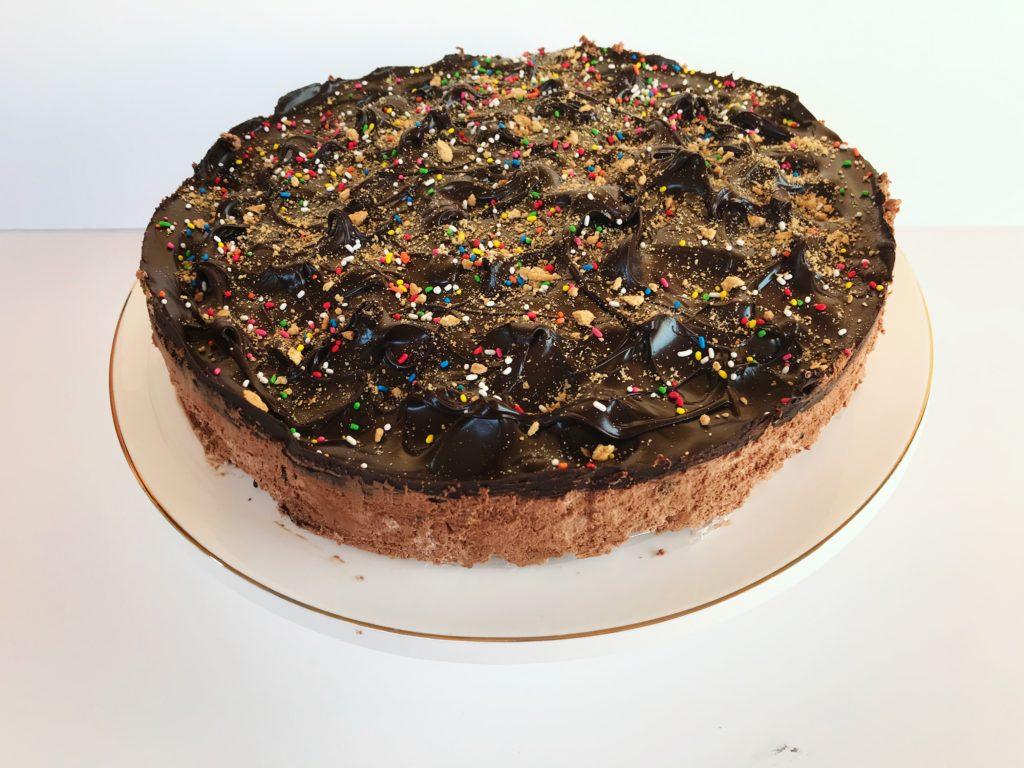 Εύκολη τούρτα ψυγείου με τρία υλικά