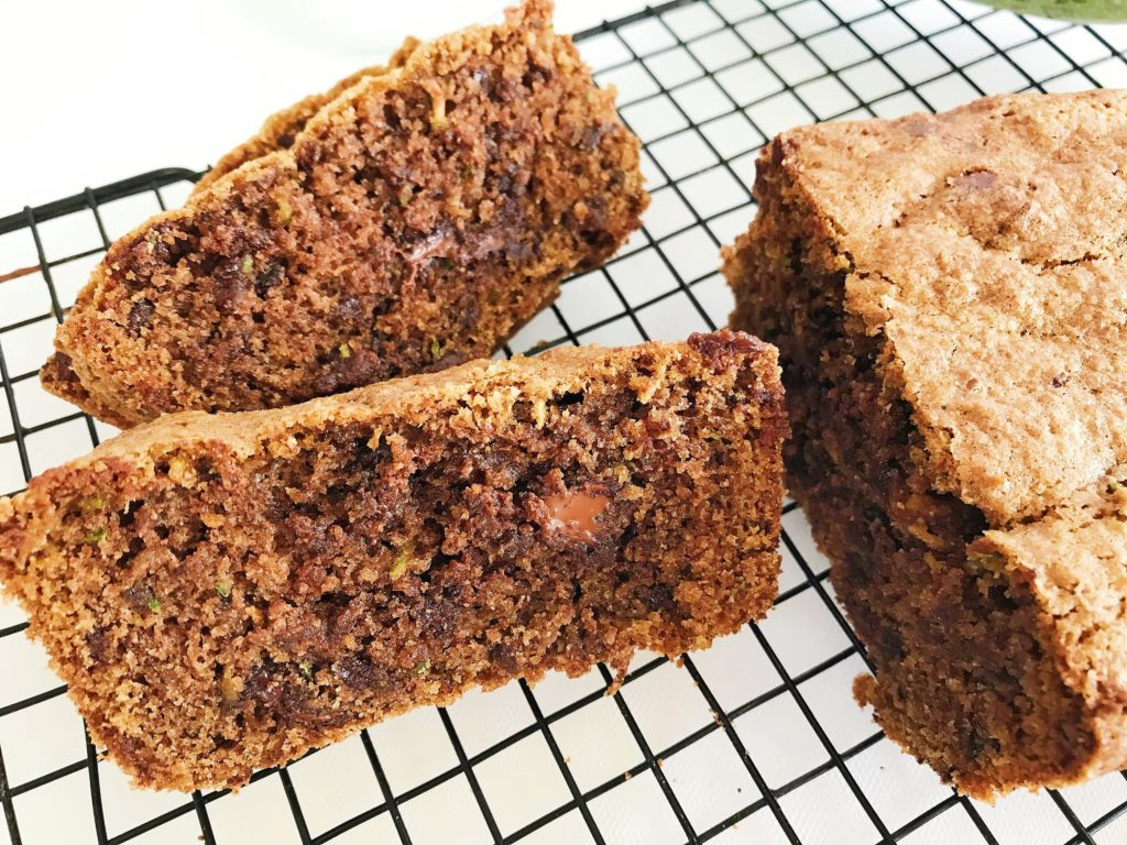 αφράτο και σοκολατένιο κέικ με κολοκύθι