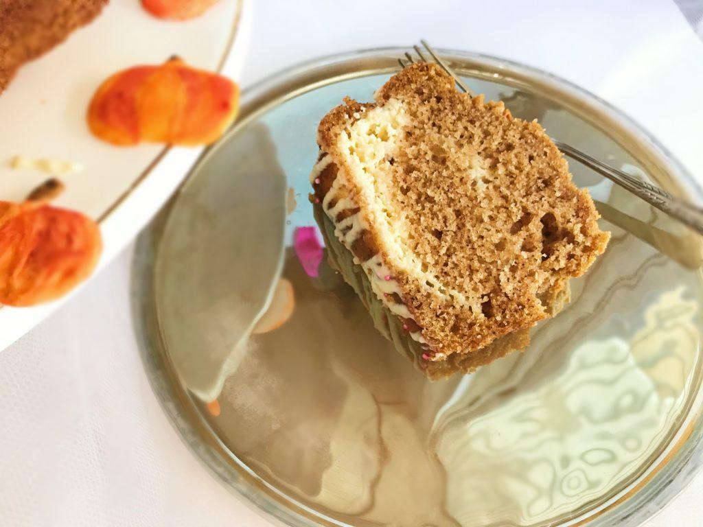 Κέικ γλυκιά κολοκύθα, μπαχαρικά cream cheese
