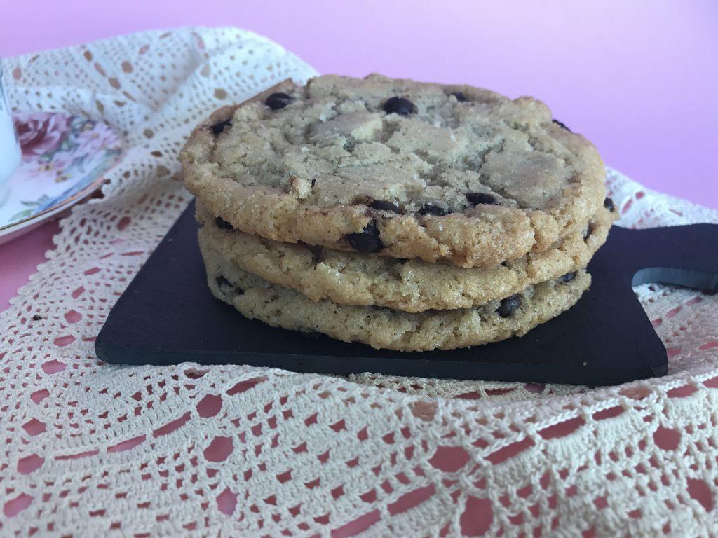 Νηστίσιμα μπισκότα με ταχίνι και σταγόνες σοκολάτας