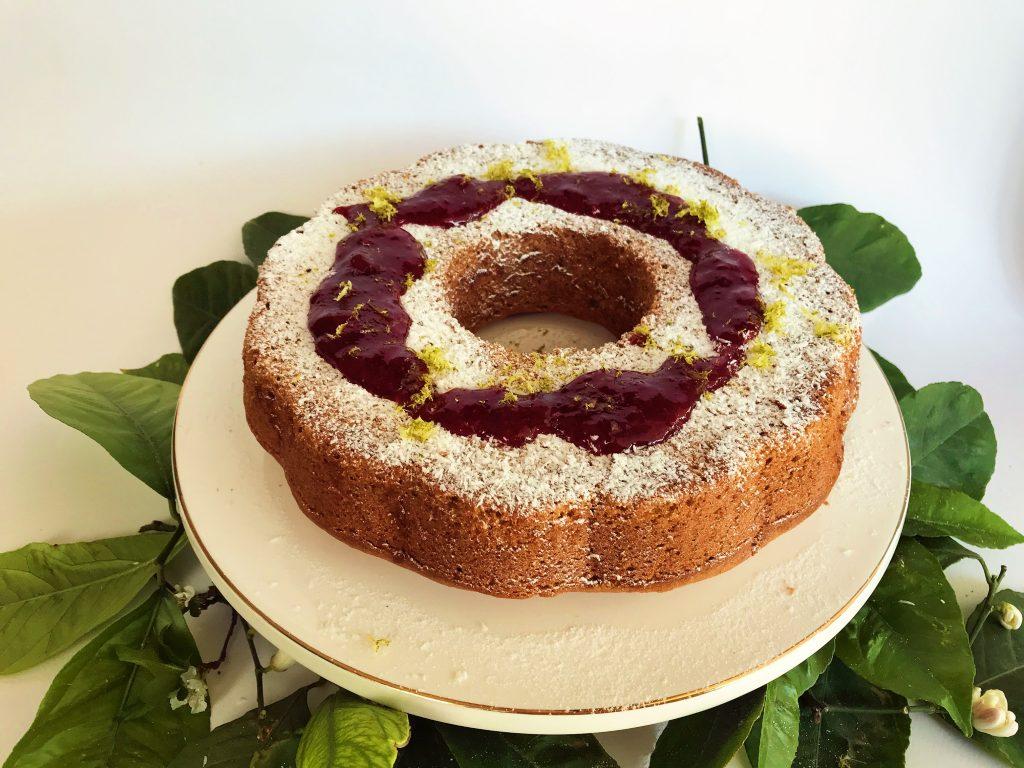 Νηστίσιμο κέικ με καρύδα και lime